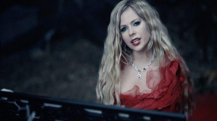 Avril Lavigne performs I Fell In Love With The Devil, 2019Via Avril Lavigne/Youtube
