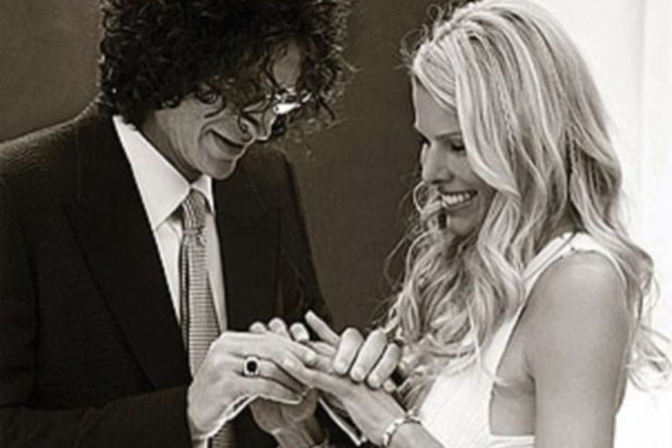 21 Surprising Facts About Howard Stern S Wife Beth Thethings