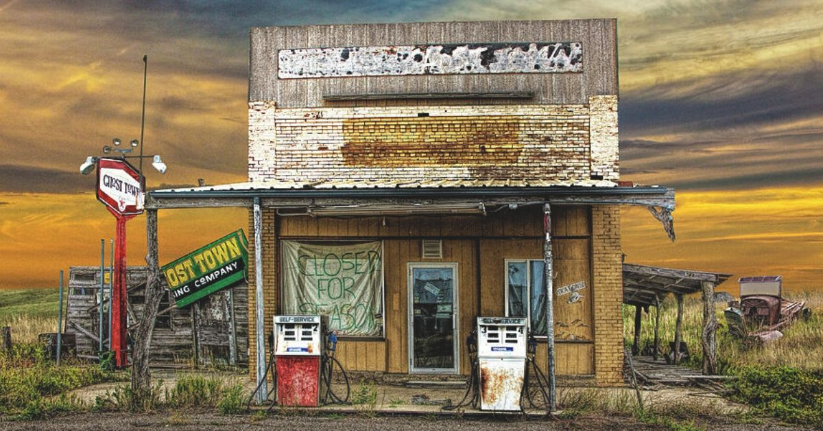 19 Sad Facts Behind America S Abandoned Gas Stations