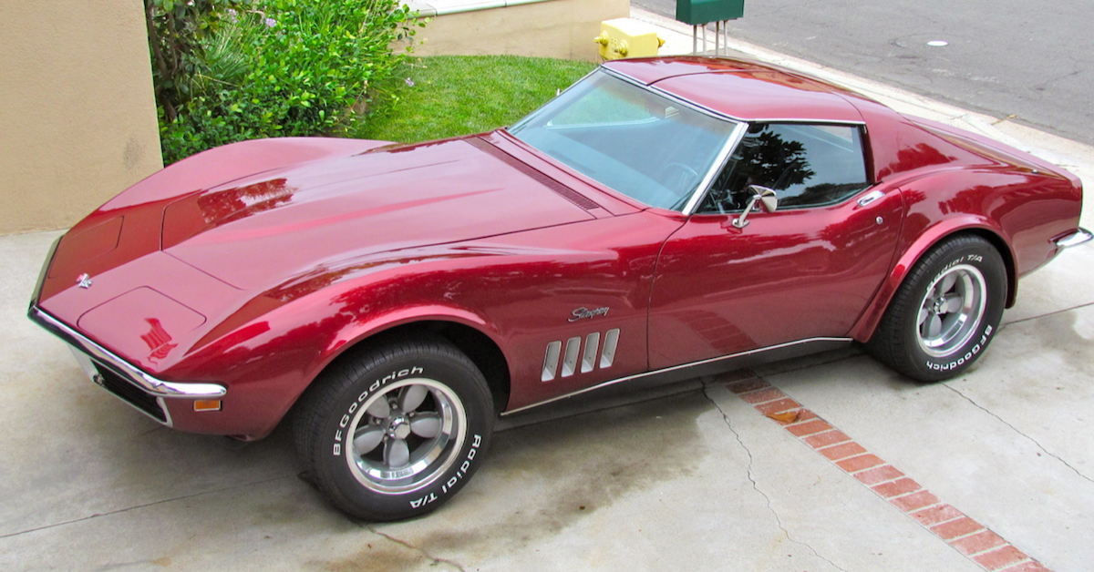 15 Photos Of Restored Classic Corvettes Every Gearhead Needs To See