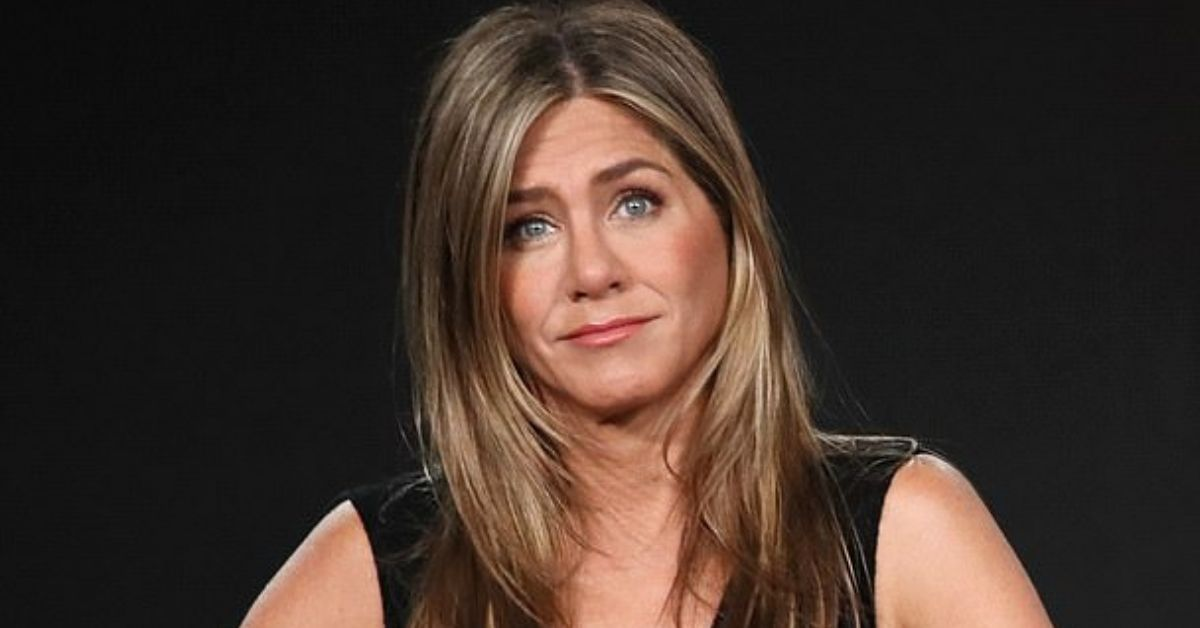 Trolls Come For Jennifer Aniston For Getting A New Puppy Instead Of Being A Mom