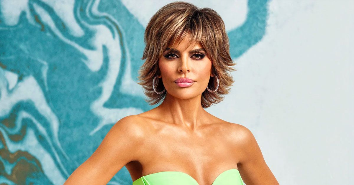 Lisa Rinna's Hysterical Throwback Workout Video Proves She Hasn't Aged One Bit