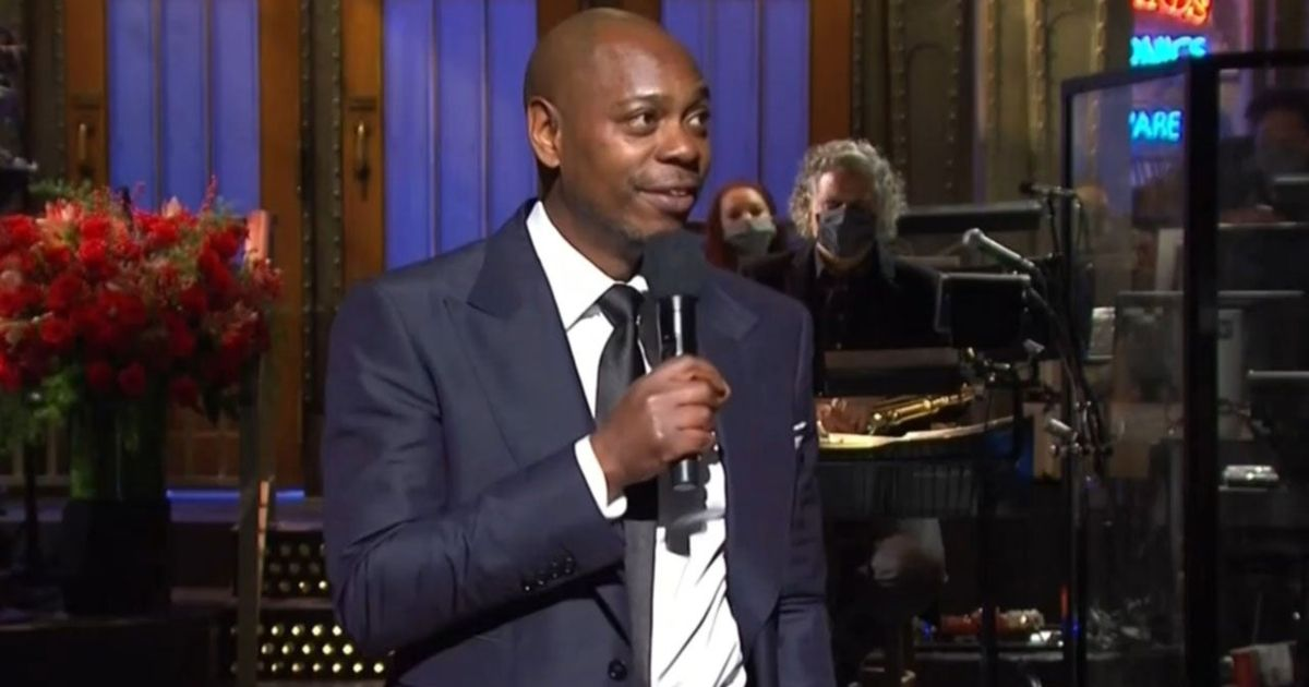 Dave Chapelle Trends On Twitter For His Monologue In Favor of COVID-19