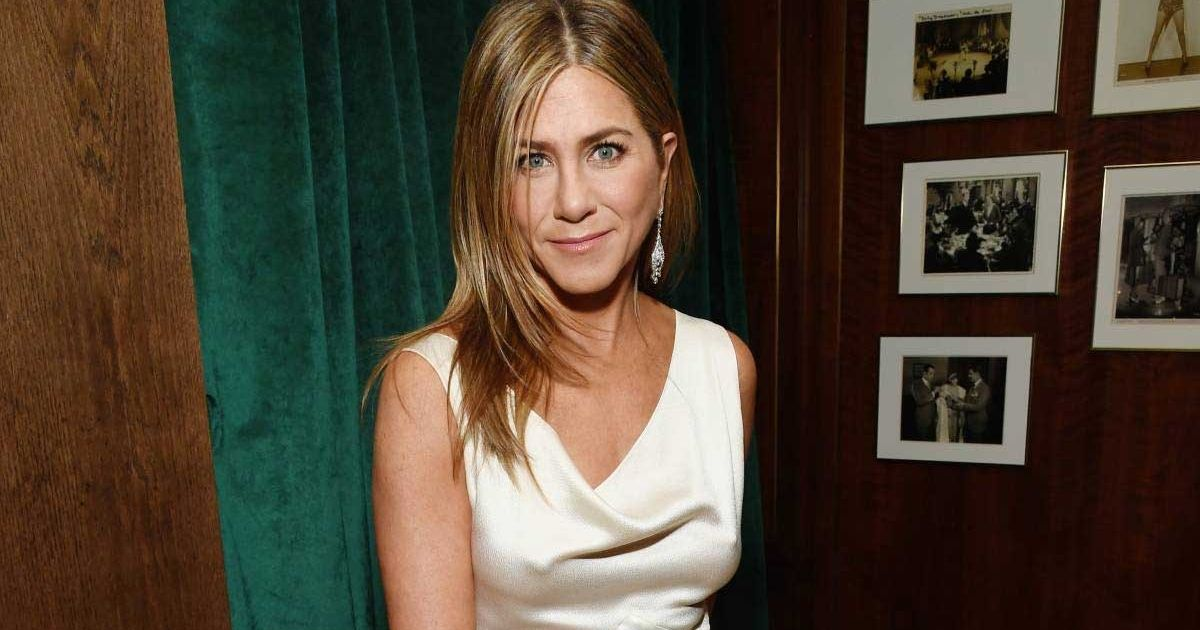 Jennifer Aniston's 'Our First Pandemic 2020' Ornament Is Dividing Fans On Social Media