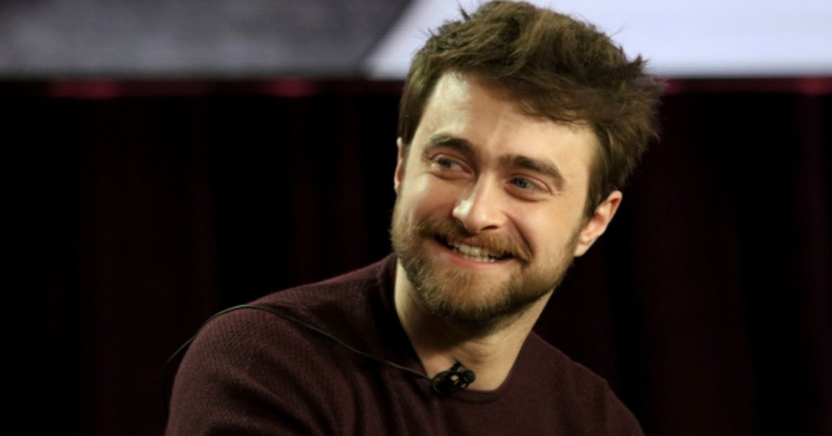 """Daniel Radcliffe Admits He Is Now """"Intensely Embarrassed"""" Of Harry Potter In Interview With Elijah Wood"""