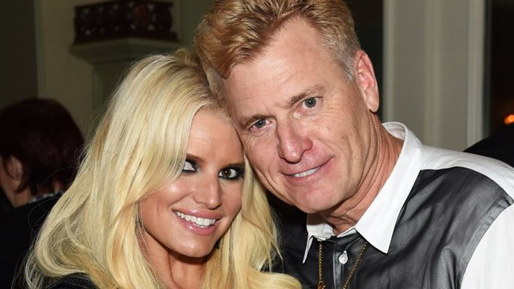 #FreeJessica? Spears Fans Are Now Exposing Jessica Simpson's Troubled Legacy