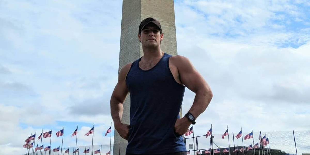 Henry Cavill Goes Public With New Girlfriend, And Twitter Users Are Angry